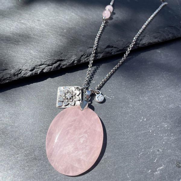 collier femme quartz rose belle de lune