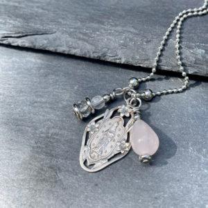 collier-femme-quartz-rose-belle-de-lune