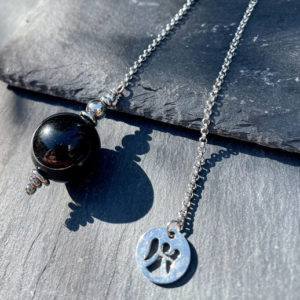 pendule-divinatoire-obsidienne-œil-céleste-belle-de-lune
